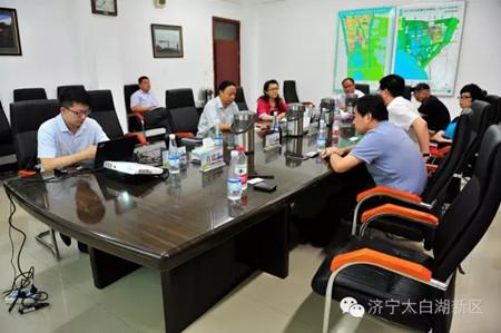 6月22日,23日,广州励丰文化科技股份有限公司董事长周利鹤一行来我区